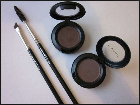 mac eyeshadow and brush