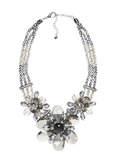 frenc conn flower necklace